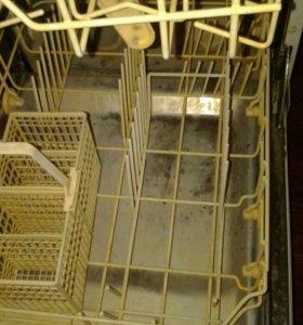 Продам посудомоечную машину хорошом состояние