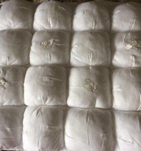 Бортики очень нарядные на детскую кроватку