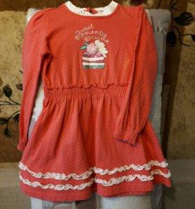 Симпатичное платье для девочки.
