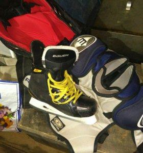 Форма хоккейная, коньки