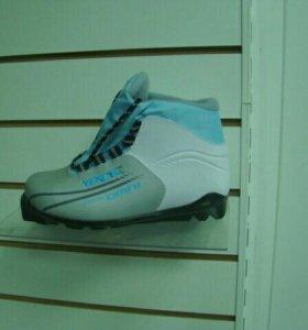 Новые ботинки лыжные