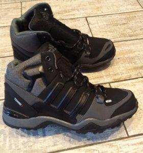 Новые кроссовки зима