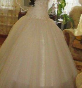 Свадебное платье размер(46)