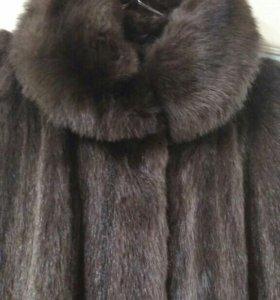 Отличная шуба из меха мангуста
