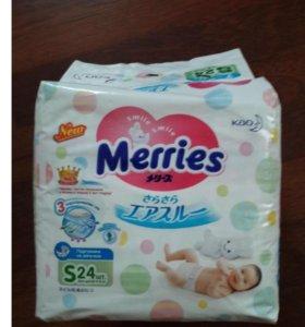 Подгузники Merries (размер S, 24 шт.)