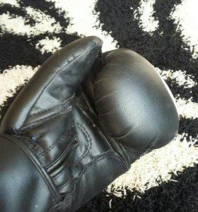 Перчатки и груша