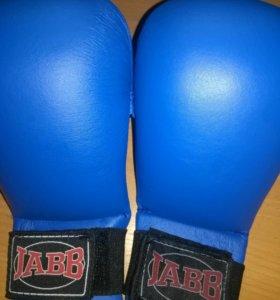 Перчатки для бокса,каратэ