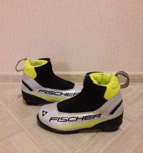 Лыжные ботинки 37 р.