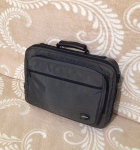 Срочно продам сумку для ноутбука !!!