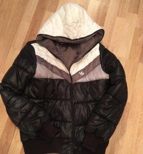 Оригинал куртка Адидас.