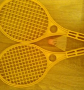Ракетки теннисные жёлтые пластмасовые и воланчик