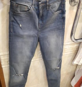 Продам джинсы 42 размер