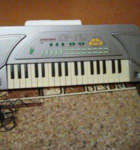 Продаю детский синтезатор