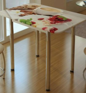 Стол кухонный с принтом