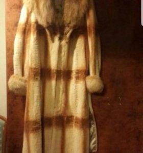 Шуба из стриженного бобра с лисьим воротником