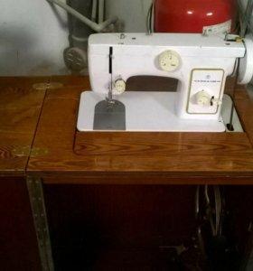 Швейная машинка Чайка 123м