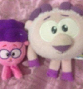 Две игрушки из смешариков
