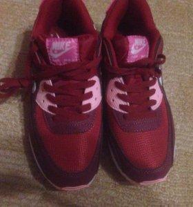 Кроссовки Nike Air Max 90.
