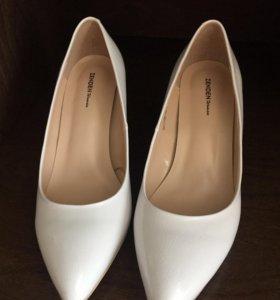 c1b93a8eb Женская обувь в Симферополе - купить модные туфли, сапоги, кроссовки ...