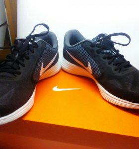 Nike revolution 3 Новые