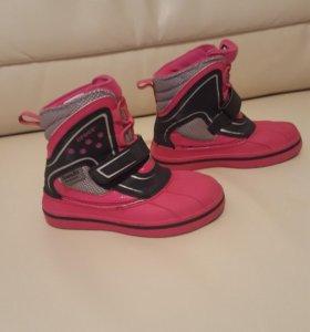 Crocs демисезонные ботинки для девочки б/у