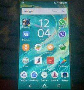Продам Смартфон Sony Xperia XA (F3111) Lime Gold