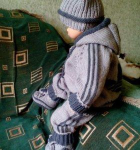 Детский костюм ручной вязки. На рост 65-70см