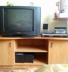 Тумба для телевизора и туалет. Столик