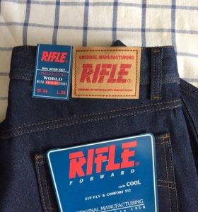 Продам джинсы RIFLE новые.
