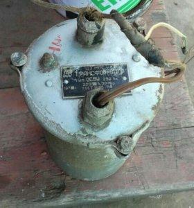 Трансформатор тока 220в.×12в.