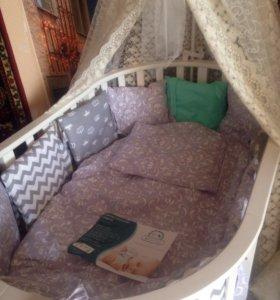 Комплект белья в овальную кроватку Новый