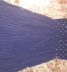 Платье бу с плиссе, темно синее