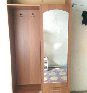 Прихожий шкаф
