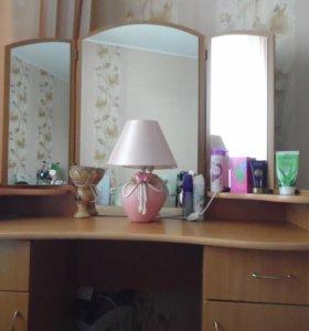Тумбочка зеркальная