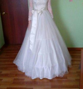 Платье для выпускного вечера (свадебное)