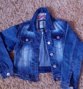 Куртка джинс. укороченная,на девочку 5-6 лет, б/у