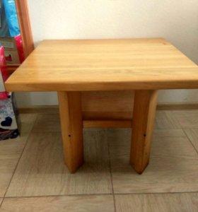 Журнальный столик из цельного деревянного массива