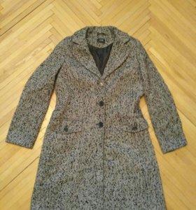 Пальто в отличном состоянии Odgi