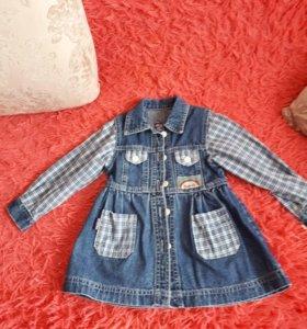 Джинсовое платье на 3- 4 года