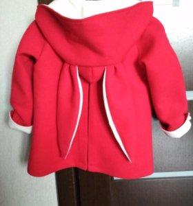 Пальто для девочек. Очень красивое . Новое!!