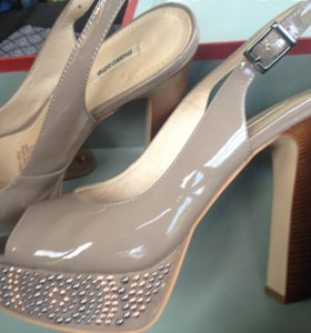 Новые лаковые туфли