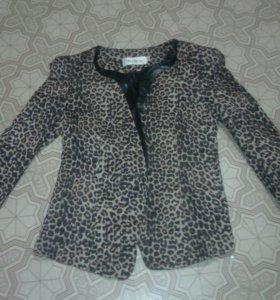 Пиджак тигровый.