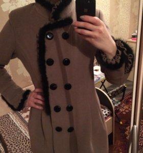Пальто с норковыми вставками(торг)