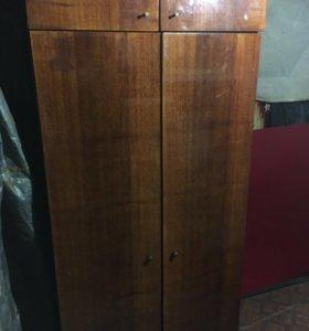 Шифоньер или шкаф двустворчатый