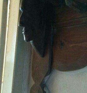 Старинная деревянная вешалка