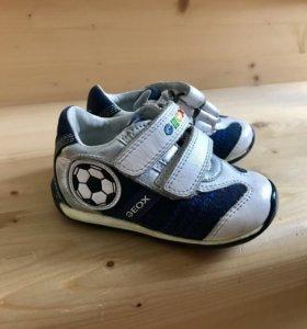 Обувь на первые шажки