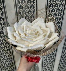 Большая роза из гофр.бумаги/Ручная работа