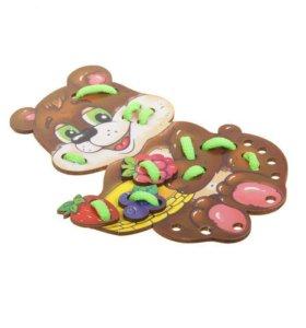 Шнуровка Мишка с ягодками