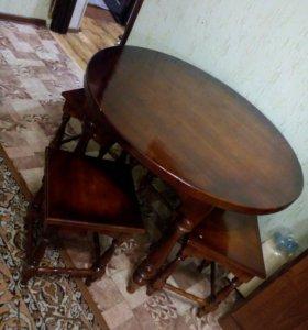Стол и табуретки