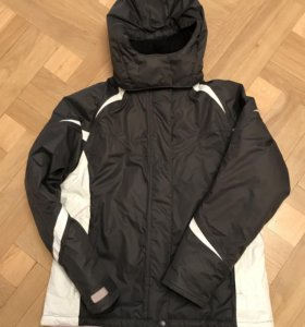 Куртка фирменная зимняя на девочку 146 рост